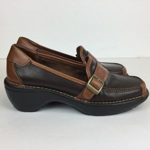 St. John's Bay 7 M Brown Leather Loafers Buckle